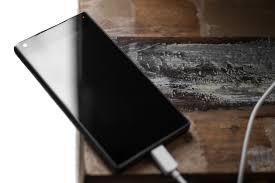 Tips Mengisi Baterai Smartphone Agar Cepat Terisi Penuh